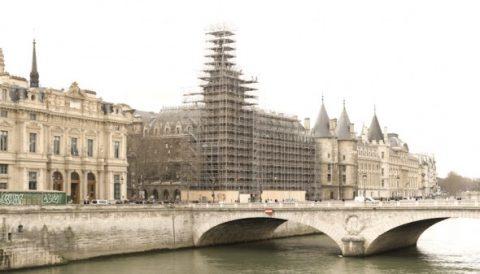 Paris: installations de chantier par OZ COLLECTIVE